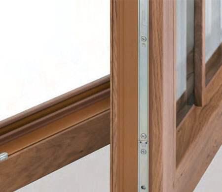 Serramenti in pvc tinta legno bergamo c b r serramenti for Serramenti pvc legno